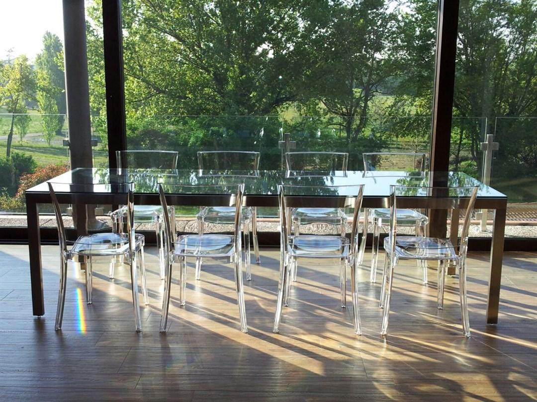 A01-Tavolo inox e vetro