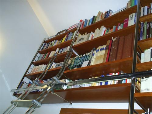 A11-Libreria in acciaio e legno