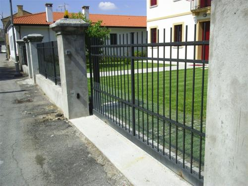 B103-Cancello in ferro verniciato