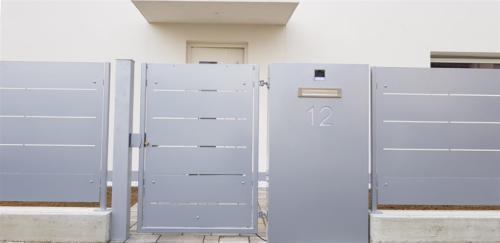 B19-Cancello pedonale in lamiera
