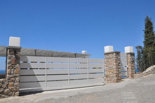 B20-Cancello scorrevole con doghe
