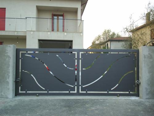 B45-Cancello con lamiera laser
