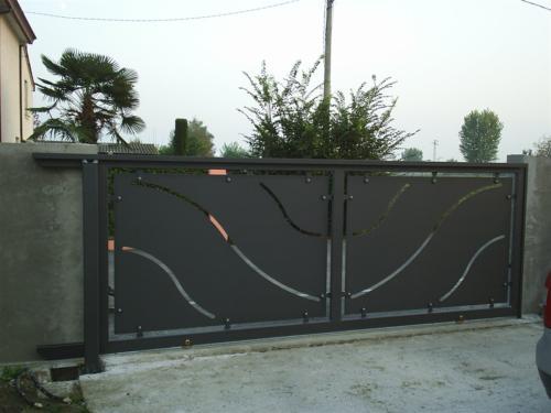 B46-Cancello con disegno laser