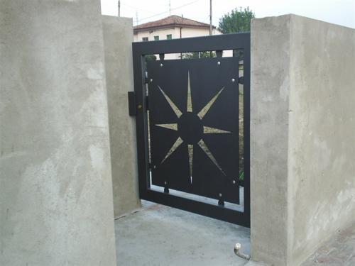 B50-Cancello pedonale lamiera laser