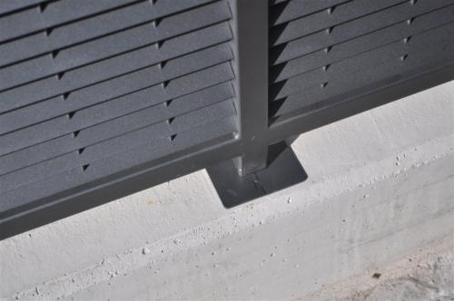 B54-Fissaggio piastra recinzione