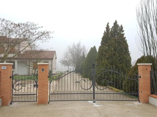 B66-Cancello in ferro battuto