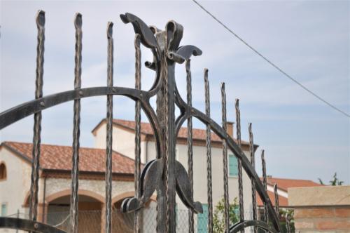 B76-Battuta cancello in ferro battura