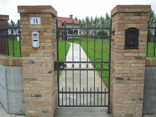 B80-Cancello pedonale