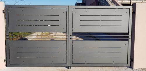 Cancello carraio e pedonale in ferro dal design particolare (4)