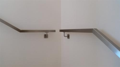 C09-Corrimano quadro con supporti quadri