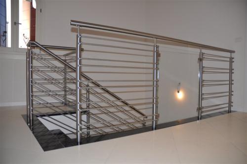 E72-Balaustra in acciaio inox e vetro