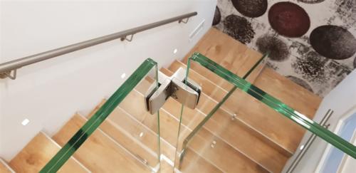 G100-Fissaggio vetri con pinza ad angolo