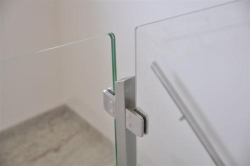 G134-Fissaggio parapetto vetro