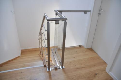 G139-Parapetto scala vetro