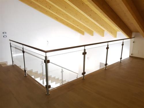 G37-Balaustra vetro inox con corrimano