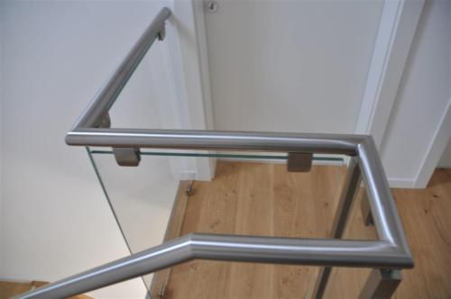 G69-Balaustra in vetro con corrimano inox