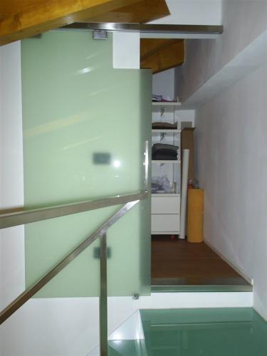 I38-Porta in vetro sagomato