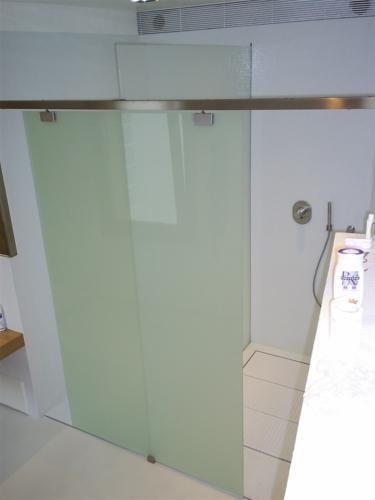 I39-Box doccia su misura in vetro e acciaio
