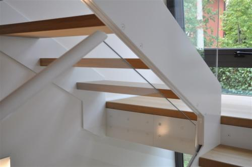 M18-Fissaggio gradini nel cosciale